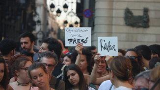 Concentració a la plaça de Sant Jaume (ACN)