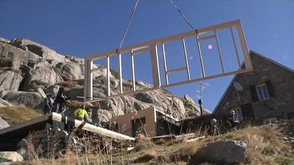 Amplien el Refugi de Ventosa i Calvell amb un modul de fusta prefabricat en només 1 dia de treball