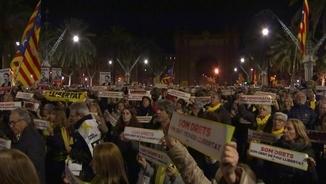 Concentració a l'Arc de Triomf de Barcelona per l'alliberament de Sànchez i Cuixart