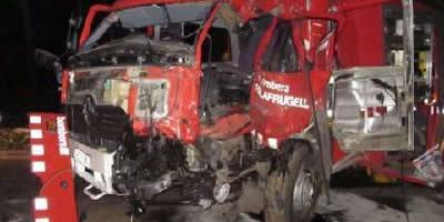 Quatre bombers ferits en xocar dos vehicles del cos d'emergències a Palafrugell