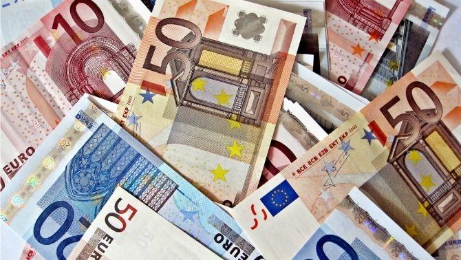 La Comissió Europea pronostica que Espanya tornarà a incomplir el límit de dèficit l'any que ve