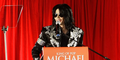 """Michael Jackson: """"Madonna està bojament enamorada de mi"""""""