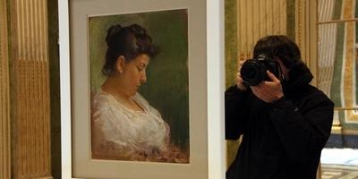 """El museu Picasso exposa la restauració d'""""El retrat de la mare de l'artista"""" i el dibuix del seu revers"""