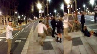 Imatges del moment en què l'agressor va donar una patada a la dona a la Diagonal de Barcelona