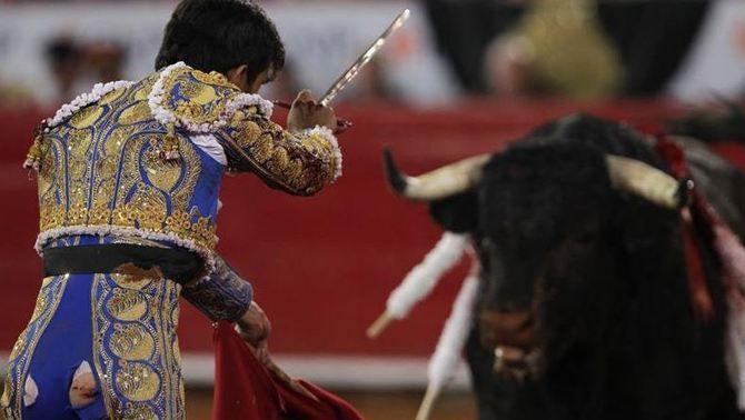 El Constitucional suspèn la llei balear que prohibeix matar toros a les corrides