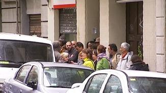 Veïns convocats davant l'habitatge per fer pressió i aturar el desnonament