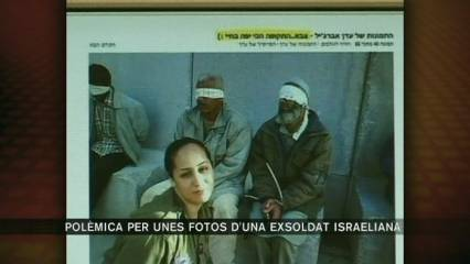 Una exsoldat israeliana posa al Facebook fotos amb presos palestins