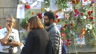 El representant de Human Rights Watch Kartik Raj escolta testimonis de l'1-O al Col·legi Verd de Girona