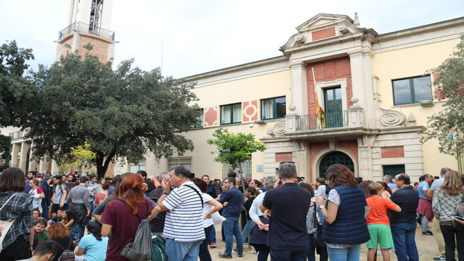 Figueres tanca els col·legis electorals i només deixa obert el de l'nstitut Ramon Muntaner