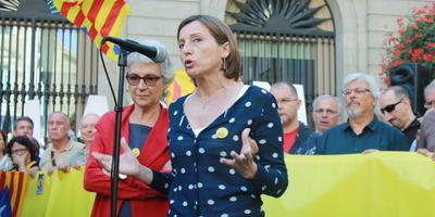 La presidenta de l'ANC, Carme Forcadell, critica el govern per suspendre la campanya del 9-N
