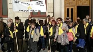 Una de les protestes del grup d'avis i àvies al centre de Reus