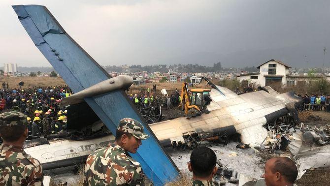 50 morts en l'accident d'un avió de Bangladesh quan aterrava a l'aeroport de Katmandú