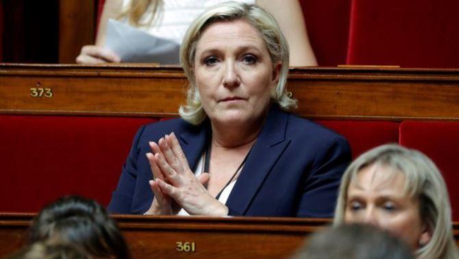 Le Pen ha de tornar 300.000 euros al Parlament Europeu per contractar una assistenta