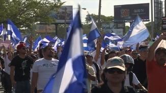Els nicaragüencs posen Ortega a la corda fluixa