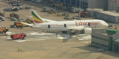 Incendi a bord d'un avió buit d'Ethiopian Airlines a Heathrow.