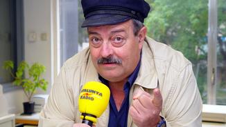 El cantautor, gastrònom i comunicador Pere Tàpias als micròfons de Catalunya Ràdio.