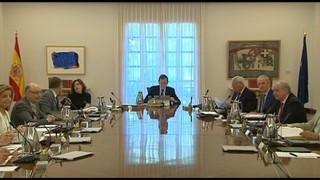 Rajoy jura com a president i es pren temps, fins dijous, per decidir el nou executiu