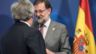 Conversa entre Rajoy i Tajani en la cimera de la UE del mes passat a Brussel·les (Reuters)