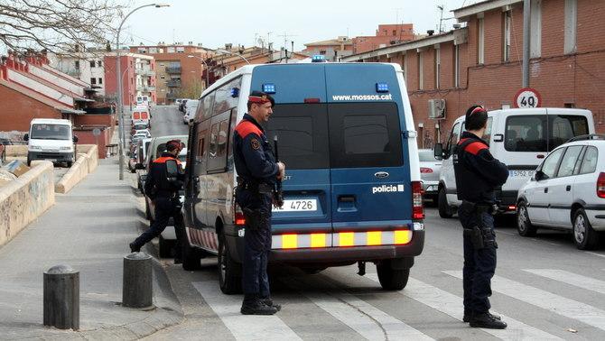 Baixa la presència policial al barri de Sant Joan de Figueres quatre dies després del tiroteig