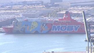 El vaixell Moby Dada fa gairebé 2 mesos que és al port de Barcelona