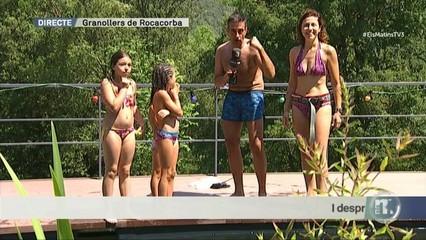 En remull a la piscina ecològica d'Anna Sahun