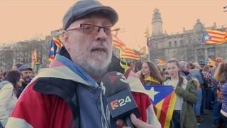 """""""República Ara"""": Tarda de banderes, pancartes i vent"""