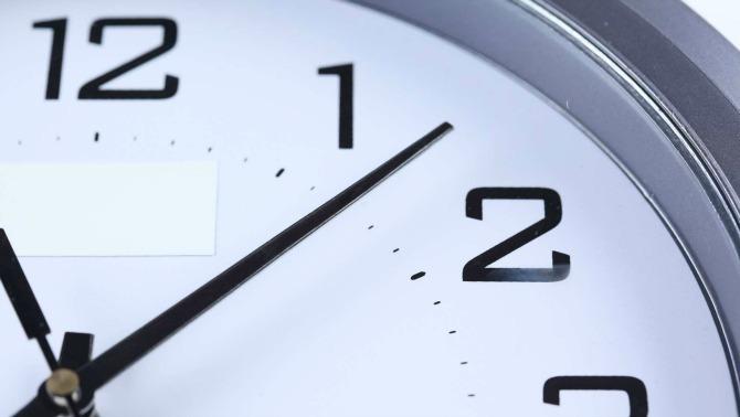Una vuitantena d'establiments s'adapten als horaris europeus durant una jornada