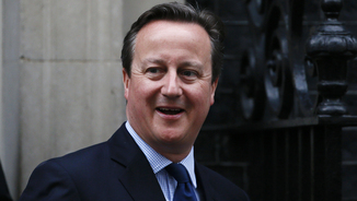 David Cameron sortint del 10 de Downing Street (Reuters)