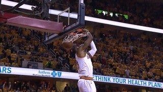 Top 5 NBA: L'espectacular esmaixada de LeBron James