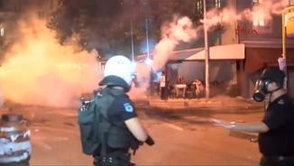 La policia turca va fer servir gasos lacrimògens i canons d'aigua per dispersar els manifestants