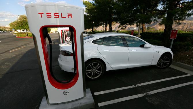 Tesla tria Barcelona per instal·lar-hi la seu social a Espanya