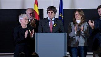 """Puigdemont: """"Rajoy s'ha enfonsat a Catalunya. La República ha guanyat a la monarquia del 155"""""""