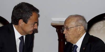 Zapatero ofereix a Tunísia 300 milions d'euros i vaixells i avions per als refugiats