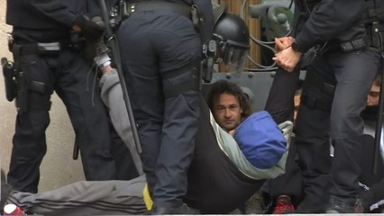 Els Comitès de Defensa de la República s'encadenen a la porta del TSJC