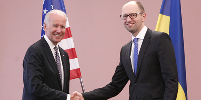 Joe Biden s'ha entrevistat amb el primer ministre ucrainès, Arseni Iatseniuk. (Foto: Reuters)
