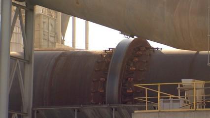 Ciments Molins demana autorització per usar més pneumàtics com a combustible pel seu forn