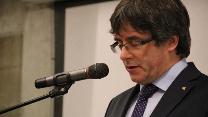 """Puigdemont: """"Si el meu parlament decideix no fer-me confiança, acabaré el meu mandat"""""""