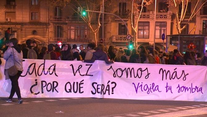 Primeres mobilitzacions feministes la vigília del 8M a Barcelona i Madrid