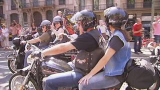 Trobada  multitudinària de Harleys a Barcelona