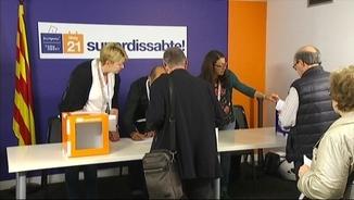 "Militants de CDC voten en el ""superdissabte"" del partit"
