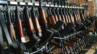 Quins són els països que exporten més armament? Quins incompleixen la llei?