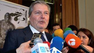 Méndez de Vigo rebutjant, durant un acte a Palència, la proposta de Torrent que Puigdemont sigui investit president de la Generalitat (EFE)
