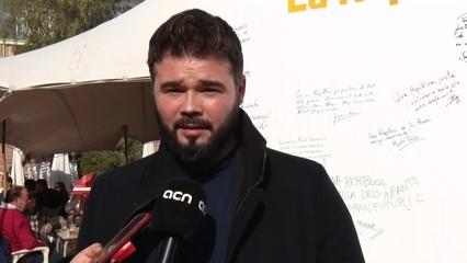 Gabriel Rufian diu que el vídeo d'Adolfo Suárez confirma el que considera que va ser l'engany de la transició