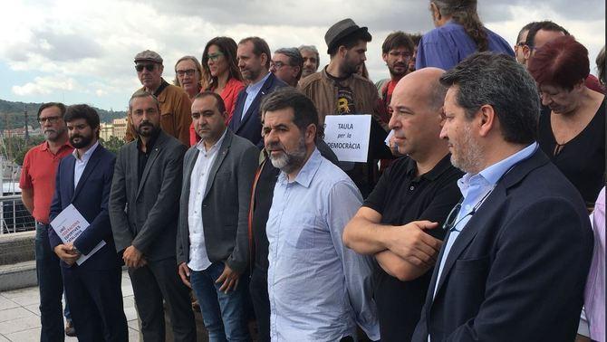 Entitats civils creen la Taula per la Democràcia per defensar institucions i drets
