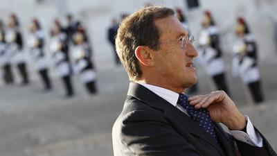 Dimissió irrevocable dels integrants del govern de Berlusconi que pertanyen al grup del seu exaliat Fini