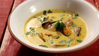Sopa de curri amb musclos