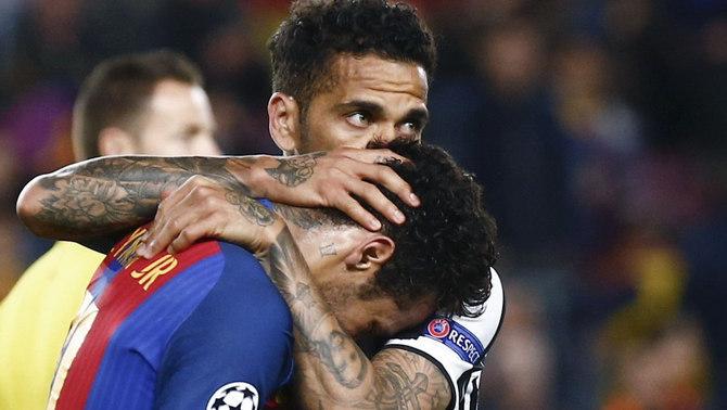 Dani Alves consola Neymar