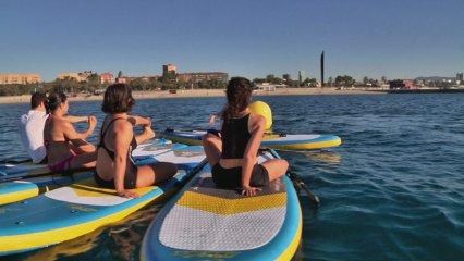 Una nova experiència: ioga sobre una planxa de pàdel surf