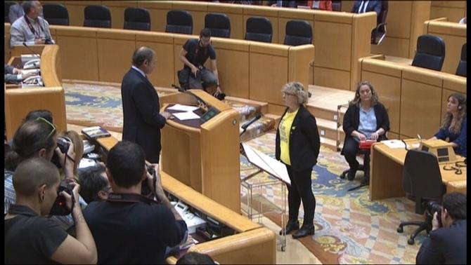 El president del Senat obliga una senadora d'ERC a prometre el càrrec en castellà