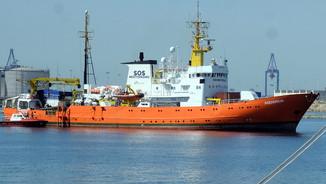 L'Aquarius arribant al port de València, el 17 de juny del 2018 (ACN)